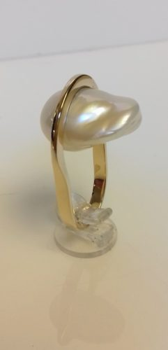 ring parel goud atelier