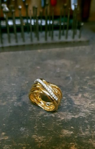 EDELSMID ATELIER GEELGOUD 18 K DIAMANT LABGROWN