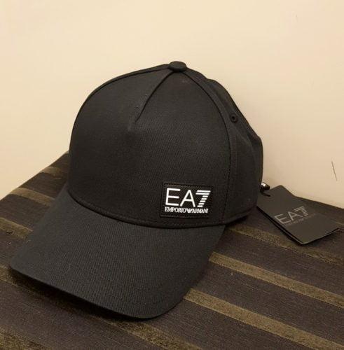 cap black ea7